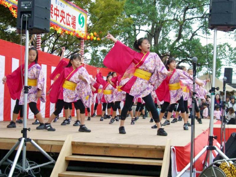 2008年10月19日、幸区民祭に「夢桜」「Fantastic Physical」が参加しました。